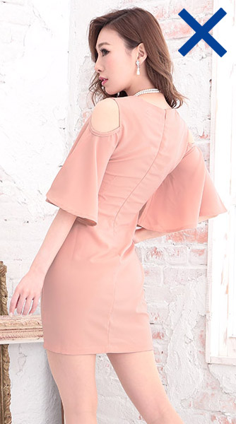 ecdeec0a22ec4 ミニ丈や肩が出たもの、身体のラインがはっきり出るドレスは 花嫁よりも目立ってしまう為NG。 ひざ丈やミディアム丈のスカートがオススメ。
