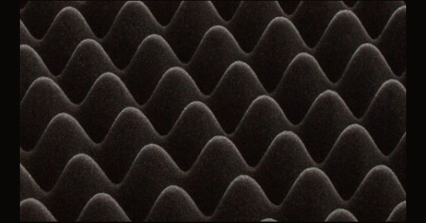 高硬度ウレタンの凹凸が体圧を分散