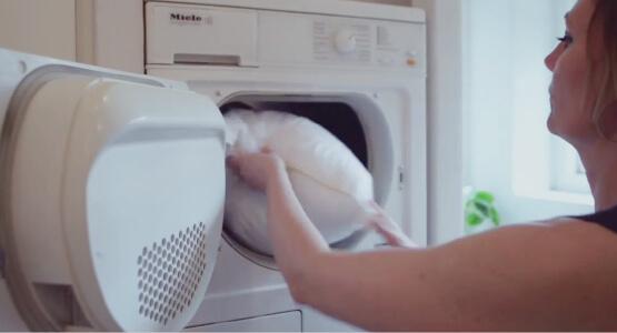 丸洗い可能で高い復元力も