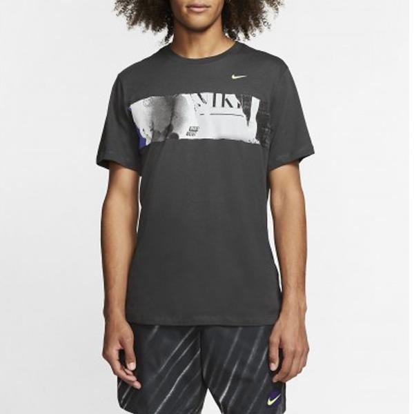 ナイキ メンズ テニスウェア コート US OPEN GFX Tシャツ (BV7017・045)