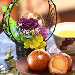 敬老の日  花籠プリザ【紫】+かりんこ6個