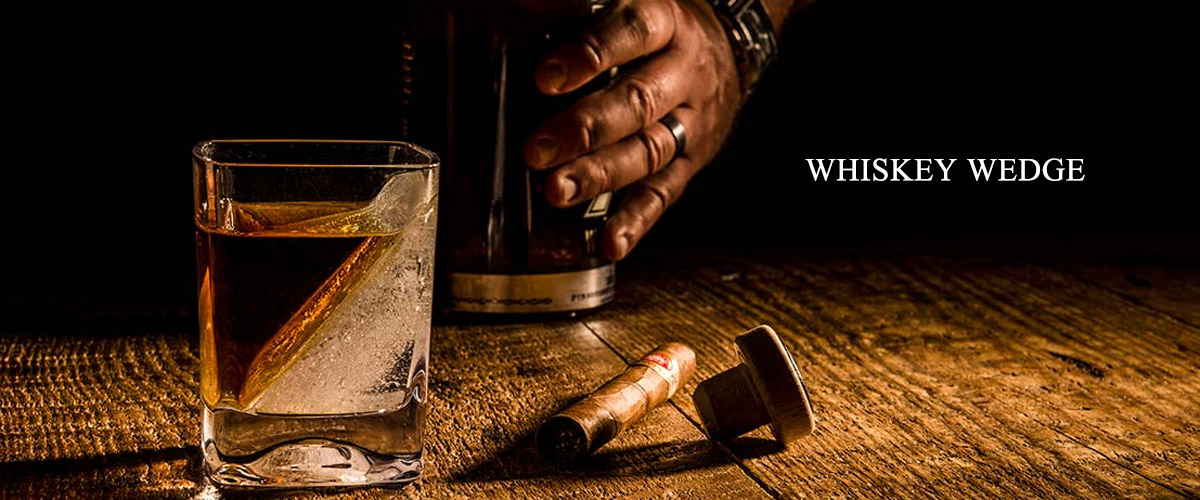 ★全米で大ヒット!五感でお酒を楽しむ!斜めの氷がウィスキーを薄めない!★