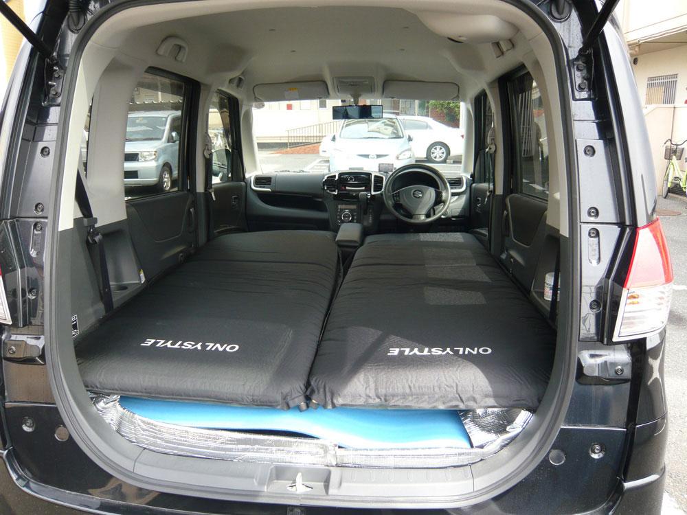 車の車種 ソリオGWに福島へ旅行に行きました。憧れの車中泊!ソリオの車内は快適に思えたので、寝る事に問題は無いと思っていました。ですが実際にはチョットした