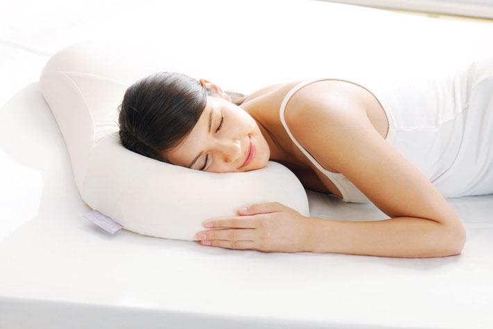 マリオットモッチ寝ている女性