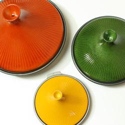 IH非対応 土鍋風アルミタジン鍋のカラーとサイズはそれぞれ3種類、計18個の中から好きなものをチョイスできます!
