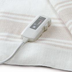電磁波カット オーガニックコットン電気毛布(掛け敷き両用)には、手元で簡単操作が出来るコントローラー付き