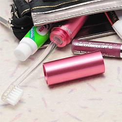 携帯用歯ブラシ・タベタラmigaCOさっと取り出して使用