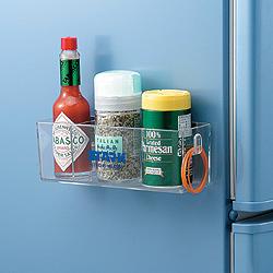 強力キッチンマグネット・プチポケットは強力磁石の力で吸着する便利な小物入れです。