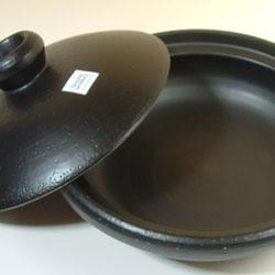 IH対応マジカル土鍋は、従来品とは違い、タワシ洗いOK!!