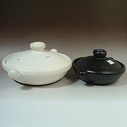 IH対応マジカル土鍋は2サイズ、2カラーからお選びいただけます!