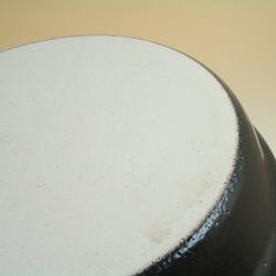 兜タジン鍋・丸は超耐熱性の萬古焼。
