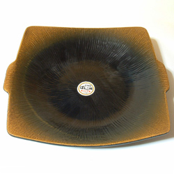 兜タジン鍋・角は陶板料理も出来る鍋。