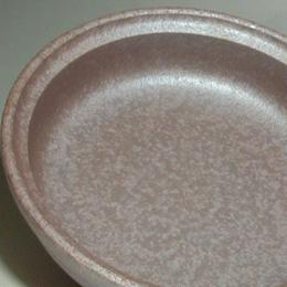 タジン鍋の内側です。浅めなので水分少しで済むように、という工夫なんです。