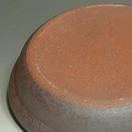 タジン鍋の裏側はこんな感じ。ほぼ「土鍋」ですね(笑)