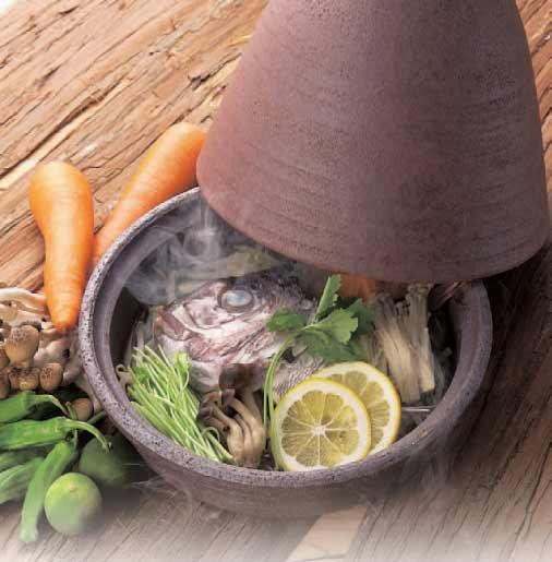 水を使わずに調理できるタジン鍋。とってもおいしそうですね。