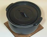 セラミック炊飯鍋の中蓋が適度な圧力を保ちます。