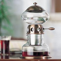 ウォータードリッパー・ポタNは水出しコーヒーメーカーです。