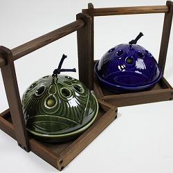 【日本製】お盆付き蚊遣り(蚊取り線香入れ)瑠璃は、2種類から選べます。