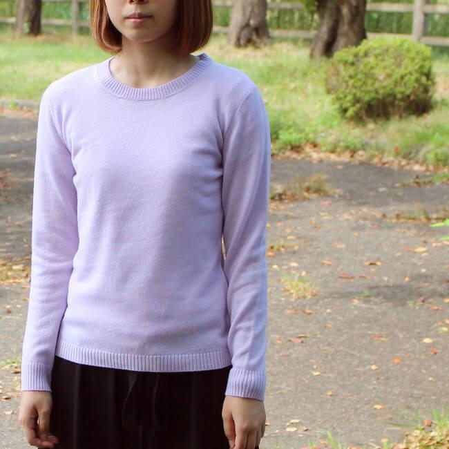 冬を彩る、鮮やかなライラック。魅力的な色が揃っているカシミヤ100%のセーターです。