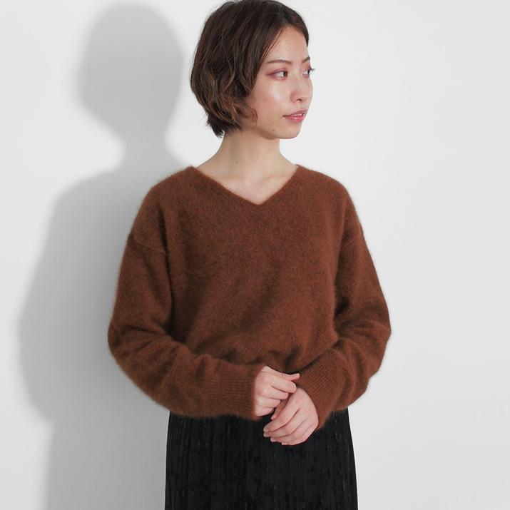 ラクーン Vネックセーター