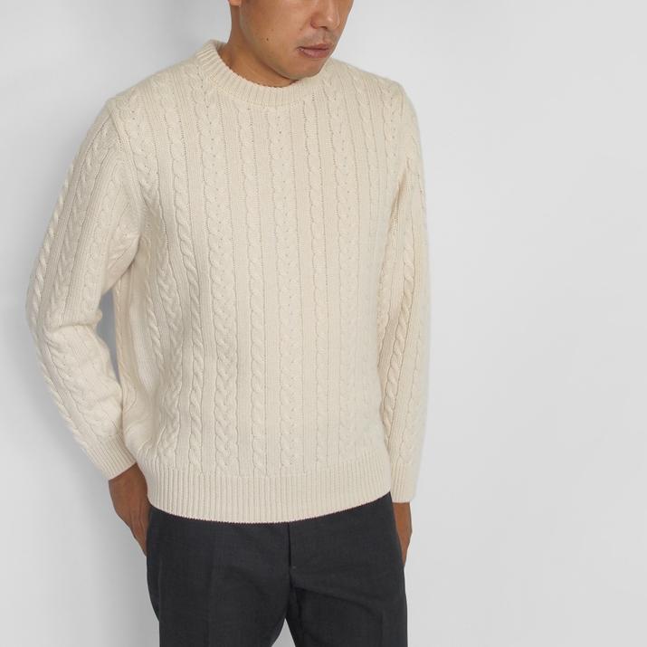 カシミヤ100% メンズ細ケーブル柄セーター