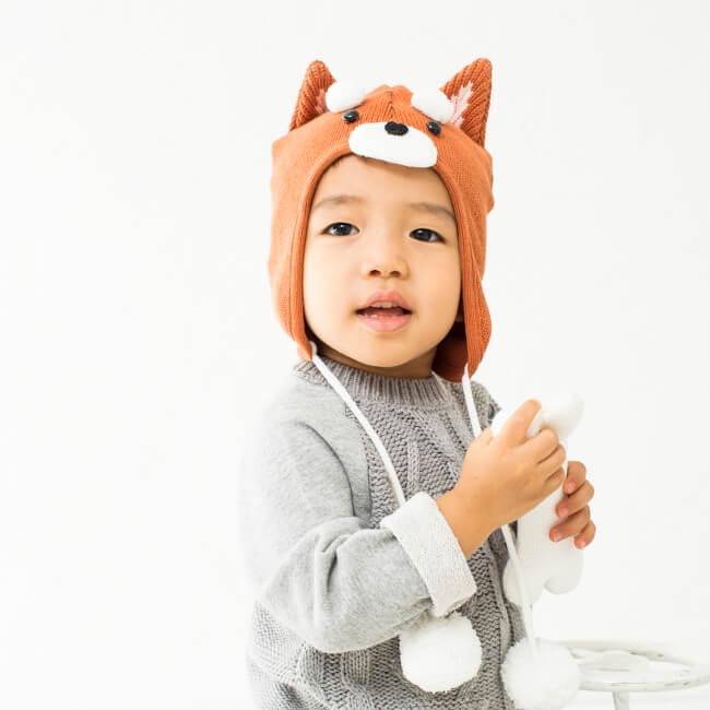 絵本作家かとーゆーこさんのあたたかいイラストをそのまま形にした動物モチーフのニット帽です。