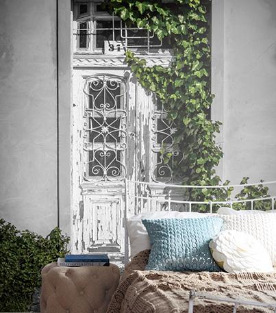 フランス調のアンティークドアのデザイン