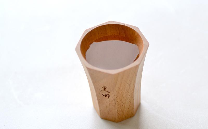 木製酒器に冷酒を入れたときのイメージ