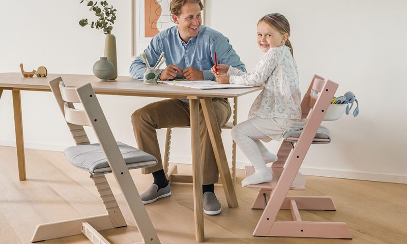 トリップ トラップ / 子どもとともに成長する椅子