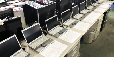 中古パソコンの入庫・仕分け