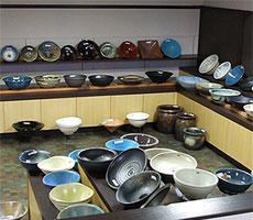 当店の手洗い鉢の陳列風景2