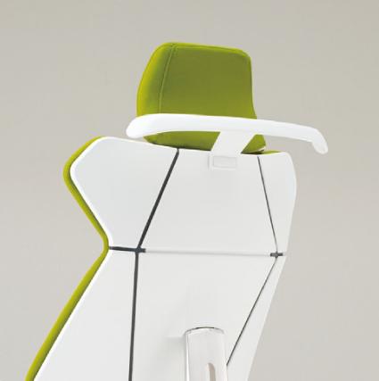 フリップフラップ チェア flip flap ハイバック 固定肘付 ハンガーなし アルミ脚 特徴