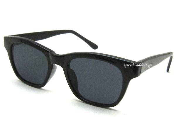 FLAT LENS WELLINGTON SUNGLASS BLACK × SMOKE