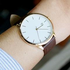 レザーベルトクオーツ腕時計