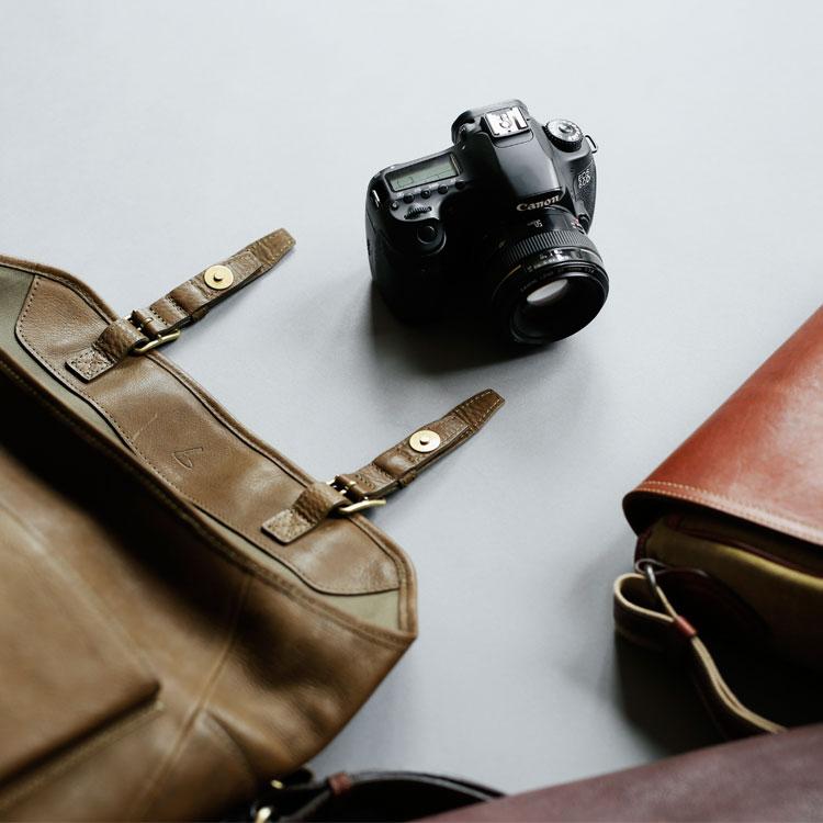 鞄の中の必需品 カメラ×ショルダーバッグ