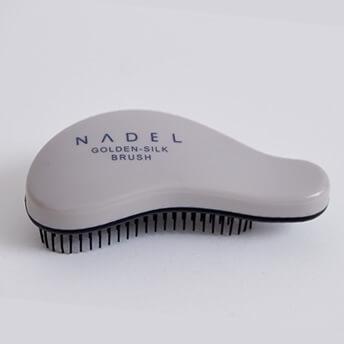 NADEL(ナデル)ゴールデンシルク・ブラシ