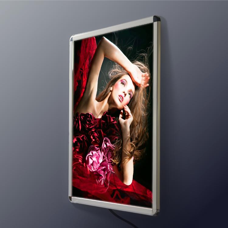 壁付グリップ式LEDパネル W640mm×H885mm A1