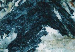 トルマリン鉱