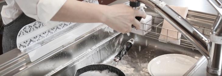 水はね防止 シンク用 シンクプレート  レースホワイト柄 ホワイト/ブラック/グリーン(メール便配送不可) 水撥ね シンク モノトーン インテリア レース  SinkPlate