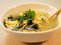 卵ともやしの中華スープ