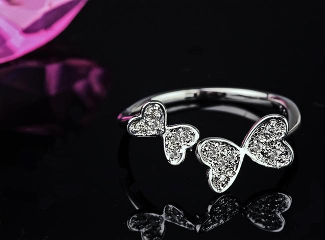蝶々モチーフダイヤモンドリング【K18Wg】