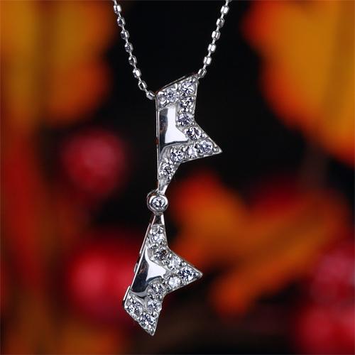 0.25ctダイヤモンド星形ペンダント【K18Wg】クリックで写真が拡大します