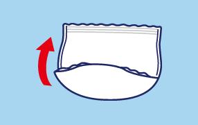 大便の時は、両脇を破り、便がこぼれないように股間部を片手で押さえながらはずしてください