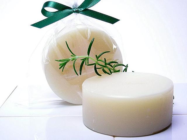 手作り洗顔石鹸ローズマリー丸型