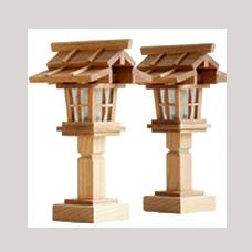 威風堂々・本けやき 欅 灯籠 二段屋根 電装式 1対 高さ23cm 神棚 祖霊舎用 コード式