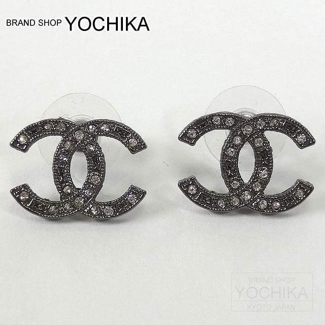 Chanel Here Mark Rhinestone Pierced Earrings Gunmetal A64719 New Article Coco Pierce Yochika